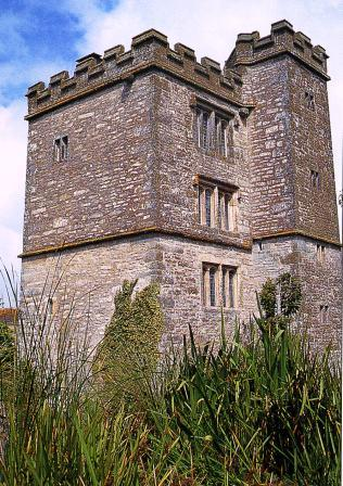 Pengersick Castle, Cornwall